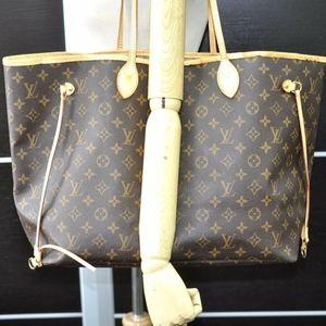 Louis Vuitton Monogram Neverfull GM Large Tote Bag